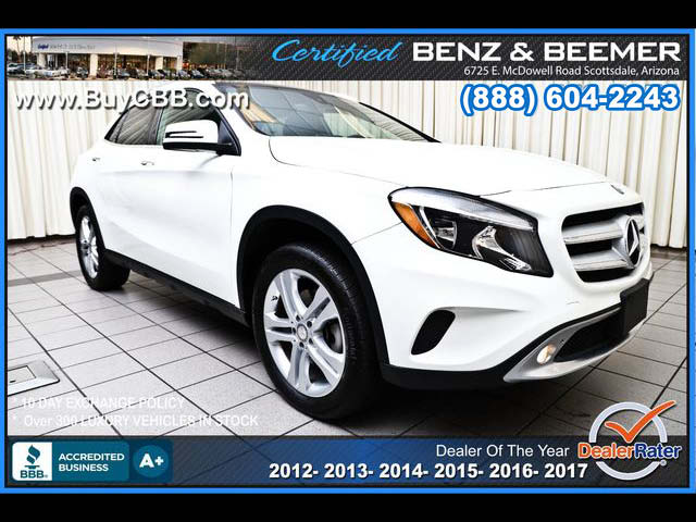 2016_Mercedes-Benz_GLA250